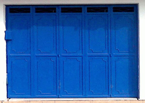 pintu-henderson-garasi-besi