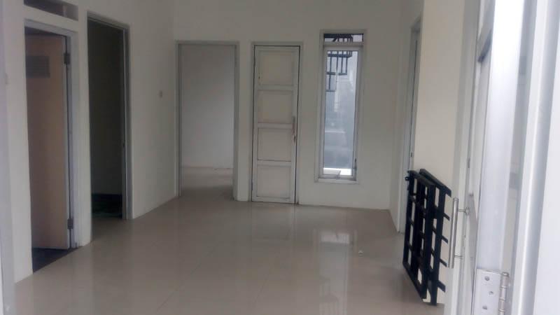 Rumah 2 Lantai Hook Antapani Bandung