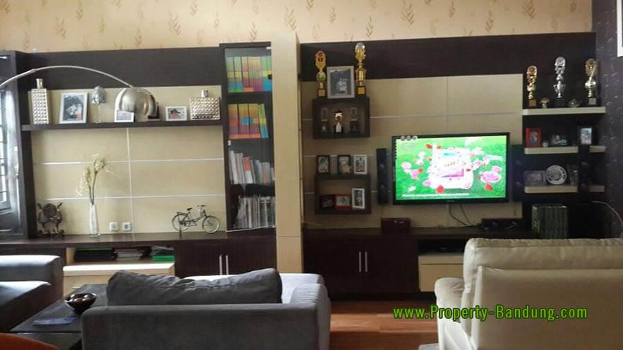 Jual Rumah di Kotabaru Parahyangan Cluster Jingganagara